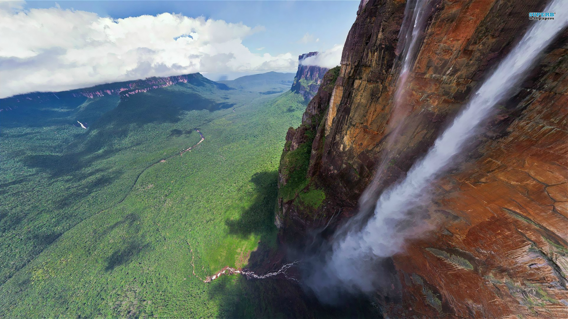 angel falls Apart from trips to angel falls, the canaima national park offers some challenging trekking, including trips to the 700km² plateau of auyan-tepui.