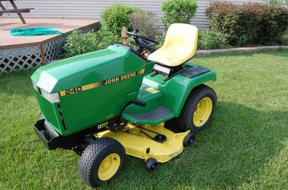 John Deere 240 Lawn Tractor : John deere riding lawnmower classified ad