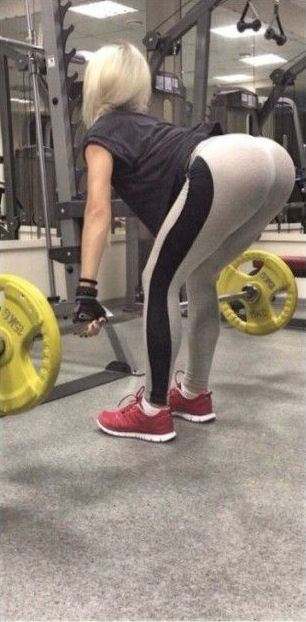 How To Deadlift Good Form Is Essential When Exercising Bubble Butt Out Fail Funny Faxo
